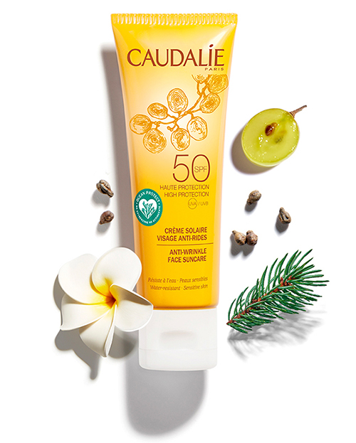Антивозрастной солнцезащитный крем для лица с SPF50